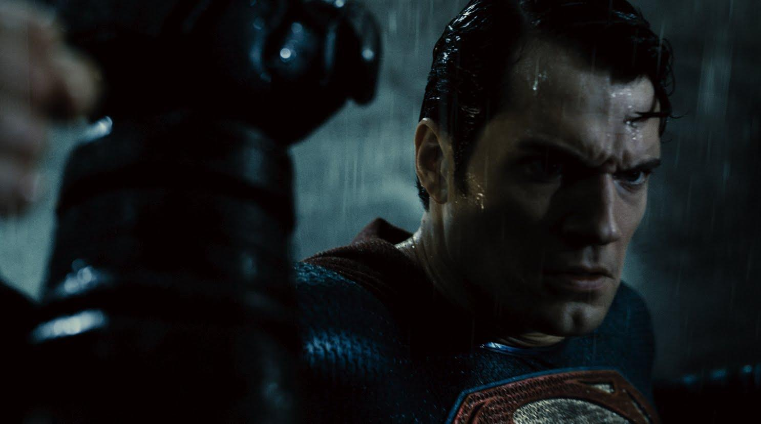 'Batman v Superman' Final Trailer Proves Caped Crusader Can Hold His Own Against Man of Steel, But Wonder Woman Rules