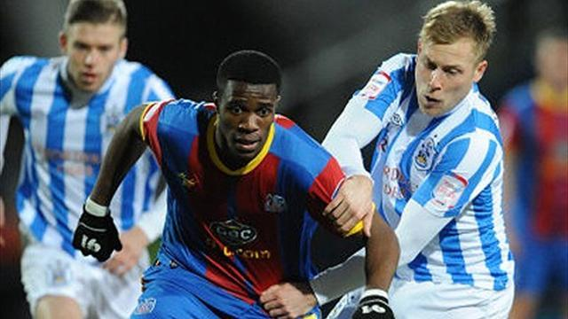 Championship - Managerless Huddersfield beat Crystal Palace