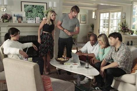 'Happy Endings': Where we left off and how two dumbs won't make a smart