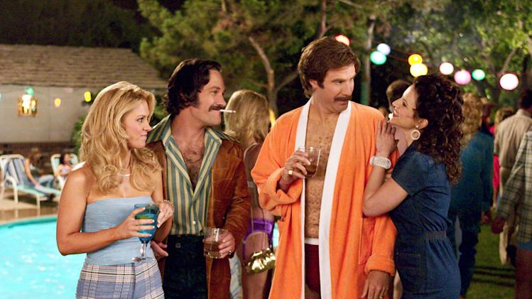 Darcy Donavan Paul Rudd Will Ferrell Renee Weldon Anchorman: The Legend of Ron Burgundy Production Stills DreamWorks 2003