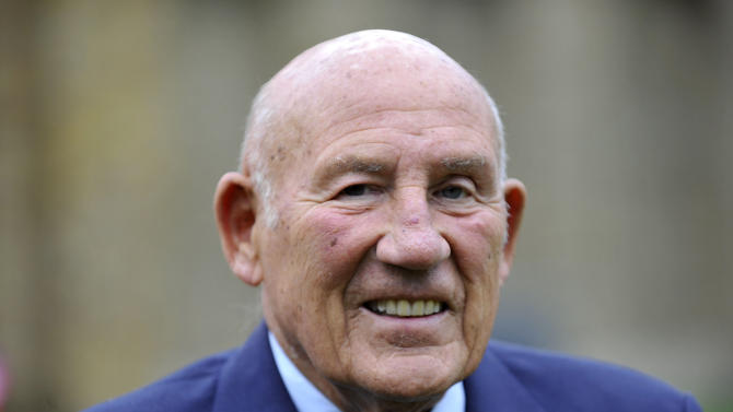 Sir Stirling Moss unveils Artmobile