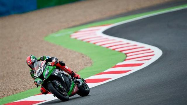 Superbikes - Magny-Cours WSBK: Sykes eases to race two victory