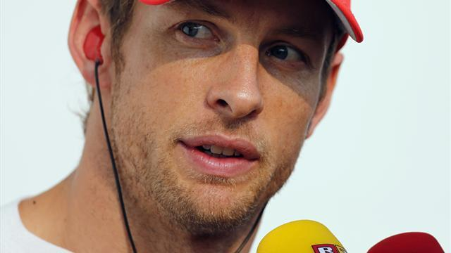 Formula 1 - Button 'a sitting duck' in final laps