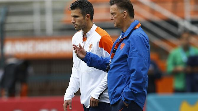 Premier League - Van Persie to miss start of season