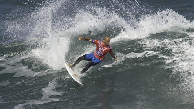 Surfing - Legend Slater out of Rip Curl Pro