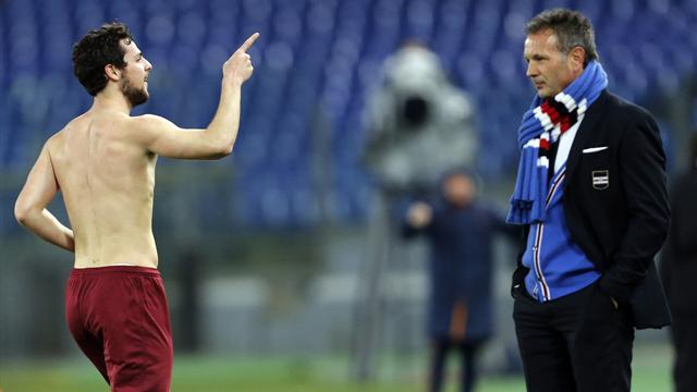 Serie A - Roma destroy Sampdoria to keep challenge alive
