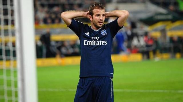Bundesliga - Van der Vaart ready to return