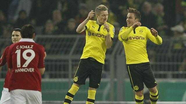Bundesliga - Goetze hat-trick helps Dortmund crush Hannover