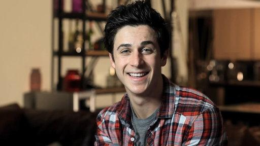 David Henrie Makes His Directorial Debut With Heartwarming Short Film 'Catch'