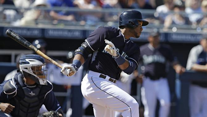 Reynolds hits 1 of 5 homers for Brewers in win
