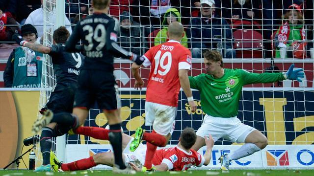 Bundesliga - Bayern extend lead to 14 points with win at Mainz