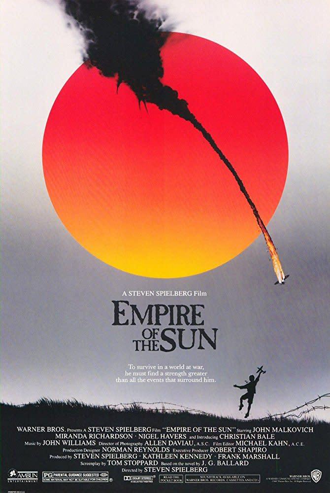 <p>四、《太陽帝國》Empire of the Sun,1987:不是只有克里斯多福諾蘭,才懂得欣賞克利斯汀貝爾獨特的憂鬱氣息。事實上早在1987年,史蒂芬史匹柏就看出了他身上潛藏的才華,讓克利斯汀貝爾在二戰背景的《太陽帝國》中演出一名青少年戰俘。《太陽帝國》也建立了史蒂芬史匹柏作品的鮮明風格,諸如破碎家庭、未成年、二戰等元素,史蒂芬史匹柏日後拍攝的戰爭電影都不脫這些招牌符碼,並飽富人道關懷,這部《太陽帝國》肯定值得更多人討論。(圖:電影海報/Warner Bros.) </p>