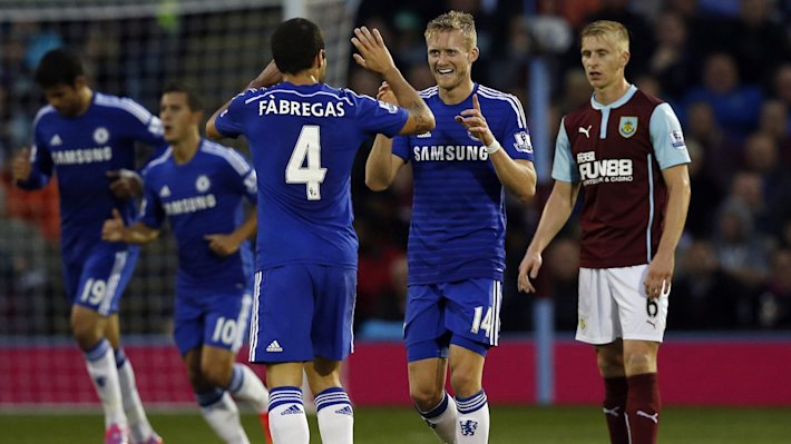 Chelsea's Andre Schurrle (2nd R) celebrates his goal against Burnley with team-mate Cesc Fabregas (Reuters)