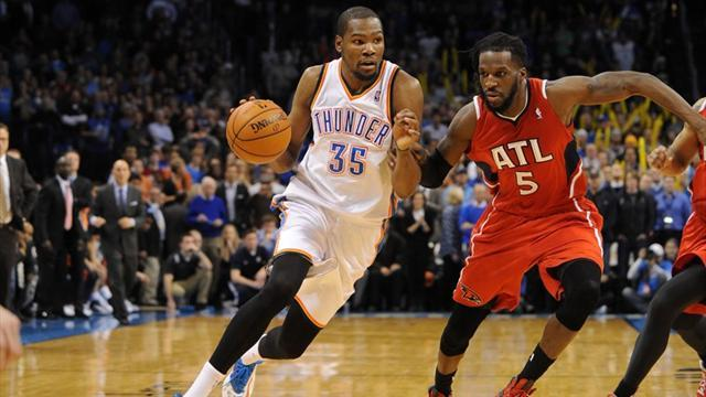 Basketball - Durant hits 41 as Thunder edge Hawks