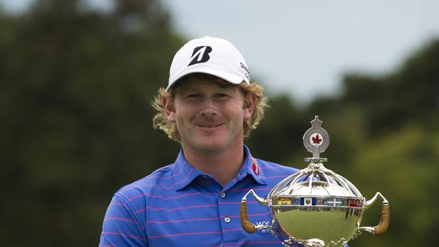 Golf - Snedeker gifted Canadian crown after Johnson collapse