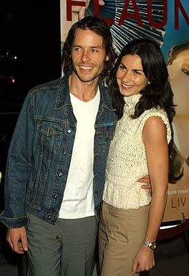 Guy Pearce and lass at the Los Angeles premire of Newmarket Films' Memento