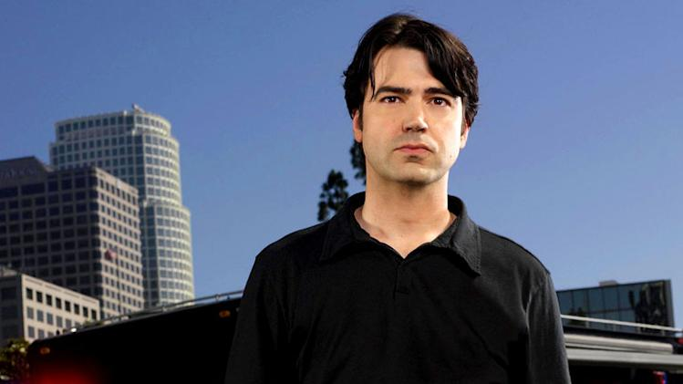 Ron Livingston stars as Matt in Standoff on FOX.