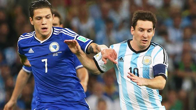 Premier League - Everton snap up Besic on five-year contract