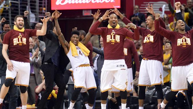 NBA playoff scores 2016: Cavaliers bury Hawks with endless 3-pointers in Game 2