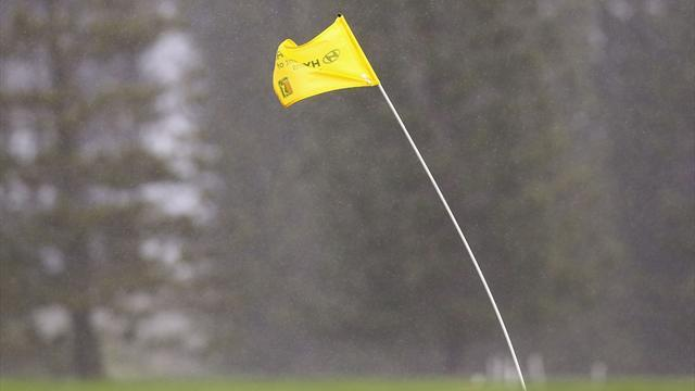 Golf - Strong winds force suspension at Kapalua