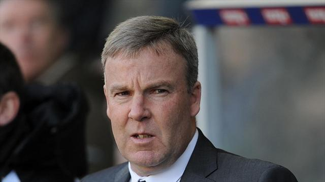 Football - Jackett unhappy with officials