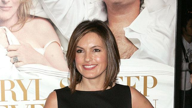 """Mariska Hargitay attends the New York premiere of """"It's Complicated"""" at The Paris Theatre on December 9, 2009 in New York City."""