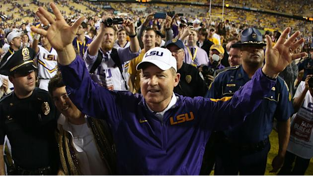 ESPN 'very interested' in hiring former LSU coach Les Miles, report says