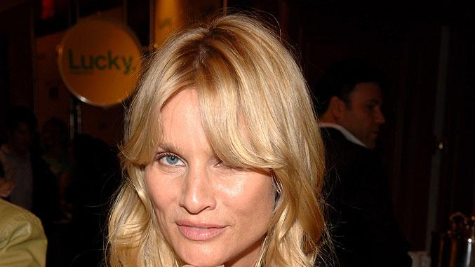 Nicolette Sheridan at The Lucky Magazine Club 2006.