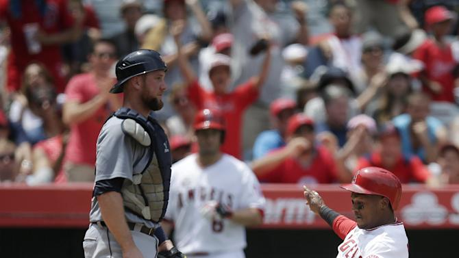 David Freese's late HR puts Angels past Tigers 2-1