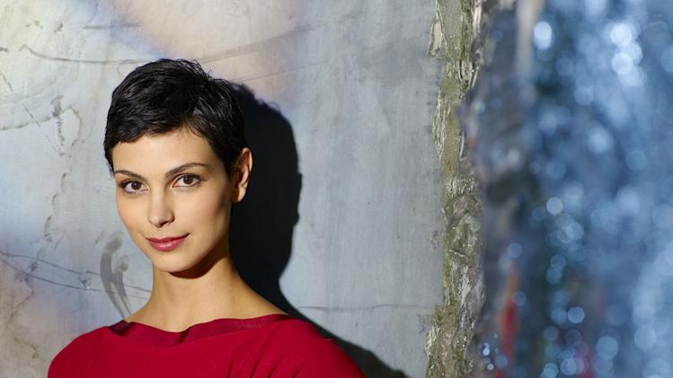 "Morena Baccarin stars as Anna in ""V."""