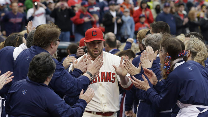 Swisher powers Indians to 7-2 win over Twins