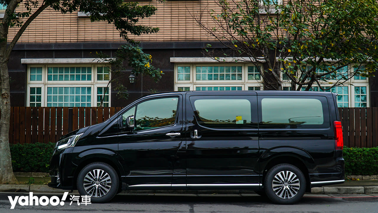 【新車圖輯】行商務之旅、享豪華之實 全新Toyota Granvia 6人座旗艦版試駕!