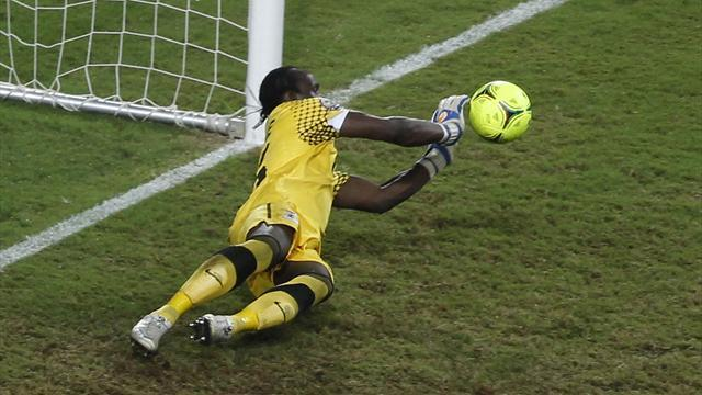 World Football - Zambia keeper hurt after rocks thrown at bus
