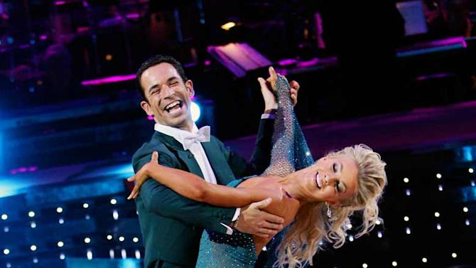 Helio Castroneves and Julianne Hough perform a dance on the 5th season of Dancing with the Stars.