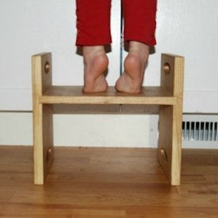 8 Step Stools for Your Toddler