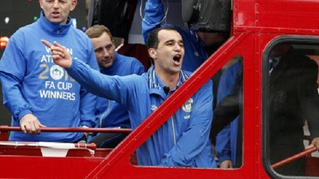 FA Cup - Martinez thanks fans on FA Cup parade