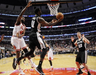 JaMychal Green (41), then with the Spurs, during a game against the Bulls. (USA TODAY Sports)
