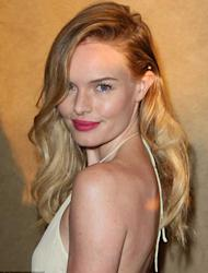 What is it about Kate Bosworth? Just look at her on the red carpet of the premiere of her new film L!fe Happens. Is it just us or is she looking younger than when we last spotted her out and about?