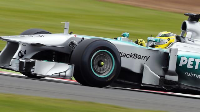 Formula 1 - German Rosberg profits from others' misfortune