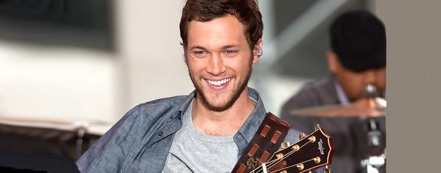 'American Idol' Phillip Phillips engaged