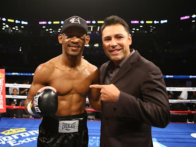 NEW YORK, NY - OCTOBER 20: Daniel Jacobs poses with Oscar De La Hoya after he knocked out Josh Luteranin their middleweight fight at the Barclays Center on October 20, 2012 in the Brooklyn Borough of New York City. (Photo by Al Bello/Getty Images for Golden Boy Promotions)