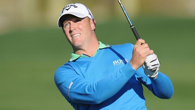 Golf - Noren holds narrow lead in Korea