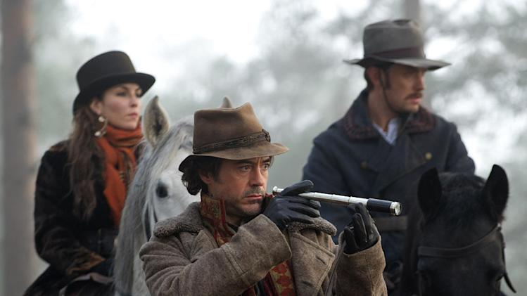 Sherlock Holmes Game of Shadows 2011 Warner Bros. Pictures noomi Rapace Jude Law Robert Downey Jr.