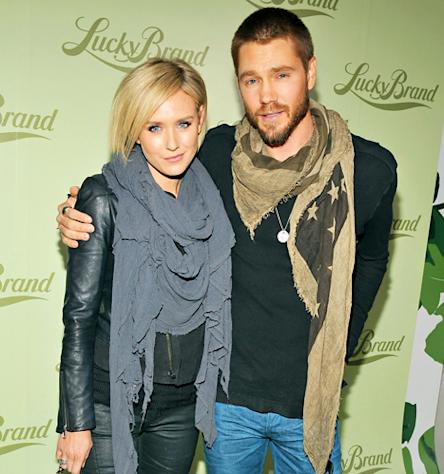 Chad Michael Murray Is Dating Australian Actress, Model Nicky Whelan: See Their PDA Picture!