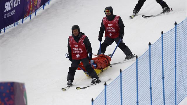 Freestyle Skiing - German star smashes knee in horror crash