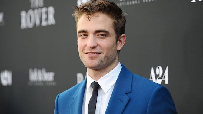 Robert Pattinson Reveals He's 'Homeless'