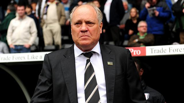 "Premier League - Jol plays down Arsenal ""problems"""
