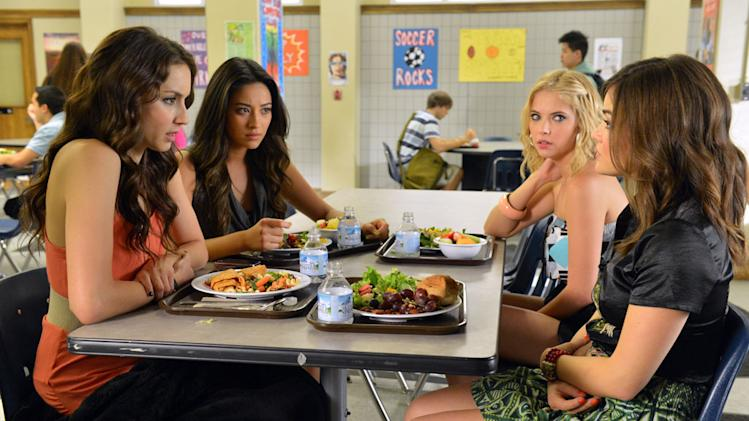 """Pretty Little Liars"" - ""Kingdom of the Blind"": TROIAN BELLISARIO, SHAY MITCHELL, ASHLEY BENSON, LUCY HALE"