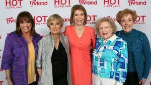 'Mary Tyler Moore Show' Cast Reminisces at Lively Reunion