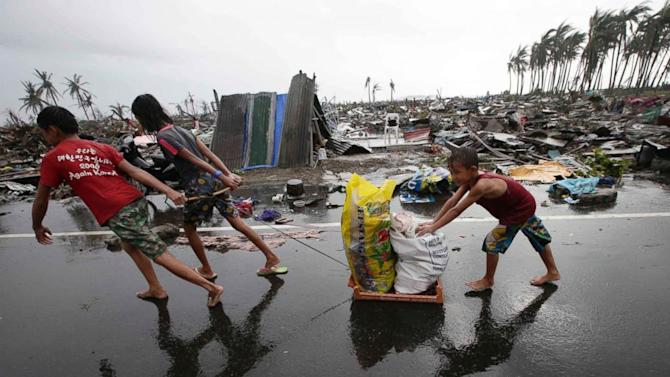 Typhoon Haiyan Aid Efforts Complicated by Storm's Destruction